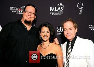 Penn Jillette, Caroline Ciocca and Teller  Aids for AIDS of Nevada (AFAN) 21st Annual Black & White Party 2007...