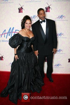 Debbie Allen, Norm Nixon The Alfred Mann Foundation Gala held at the Millenium Biltmore Hotel Los Angeles, California - 29.09.07