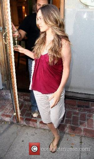 Alicia Silverstone leaving Ken Paves hair salon in West Hollywood Beverly Hills, California - 26.06.07