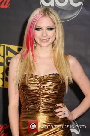 Lavigne Wants To Create Her Own Celeb Mag