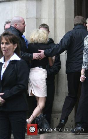 Winehouse Admits Eating Disorders