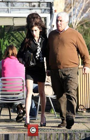 Winehouse's Dad Calls For Amy To Be Sectioned