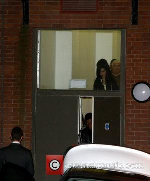 Amy Winehouse 'On Overnight Hospital Drip' For Drugs Rehab