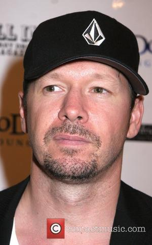 Wahlberg Defends Sexuality After Eminem Slur