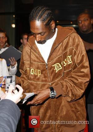Snoop Dogg leaving the Arabella Sheraton hotel and signing autographs Munich, Germany - 31.10.07