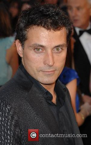 Rufus Sewell UK Premiere of 'Atonement' at the Odeon Leicester Square - Arrivals London, England - 04.09.07