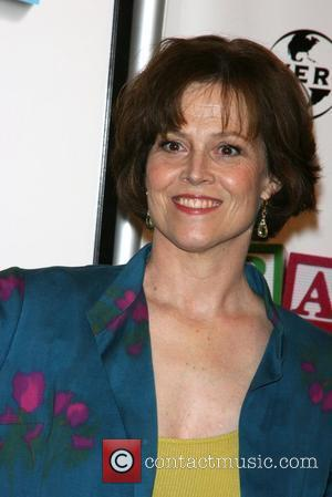 Sigourney Weaver 2008 Tribeca Film Festival Opening Night - World Premiere of 'Baby Mama' at Ziegfeld Theatre New York City,...