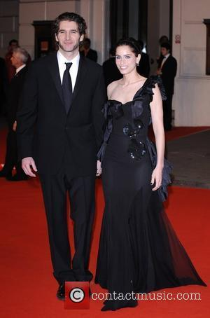 British Academy Film Awards 2008, Amanda Peet