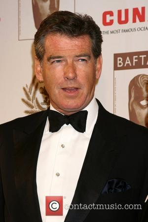 Brosnan Fights Gas Terminal At Pier Rally