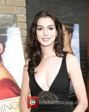 Hathaway Feared She Didn't Measure Up To Streep's Standards