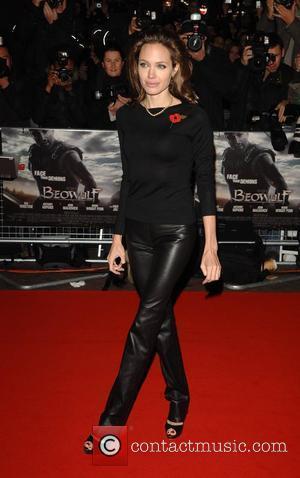 Report: Jolie's Daughter Faces Hip Op