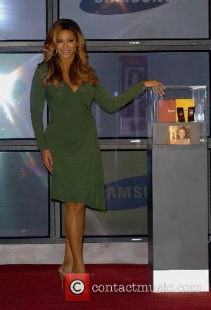 Beyonce Knowles and Samsung announce the launch of the new ' B 'Phone '