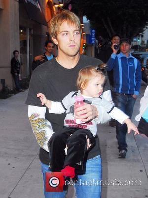 Larry Birkhead and daughter Dannielynn Birkhead out shopping on Robertson Blvd. Los Angeles, California - 25.11.07
