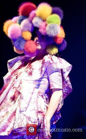 Bjork Performs at the Hammersmith Apollo	  London, England - 14.04.08