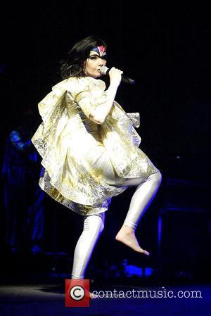 Bjork Stunned That People Still Talk About Oscars Swan Dress