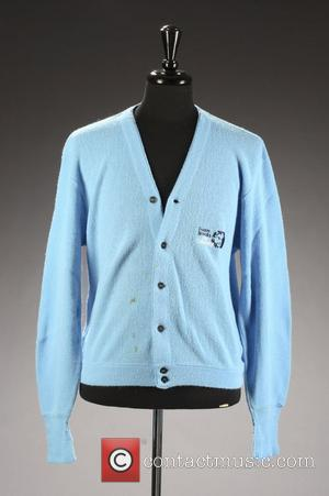 Bob Hope's cardigan sweater.  * LATE HOPE'S BELONGINGS SOLD AT AUCTION Legendary comedian BOB HOPE's golf clubs will be...