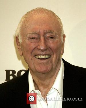 U.s. Tv Comedian Dick Martin Dies