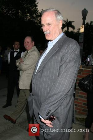 Cleese Wants Fawlty Statue