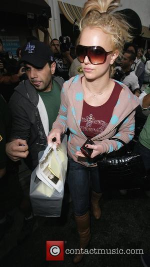 Ne-yo 'Still Rooting' For Britney