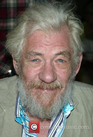 Mckellen Regrets Keeping Sexuality Secret
