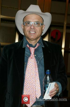 Pantoliano Upset About Headless Photo