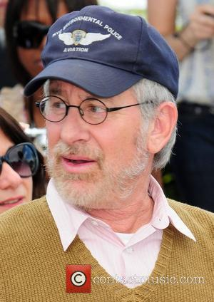 Spielberg, Cruz And King Party With The Cruises