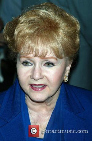 Debbie Reynolds Reveals All On Daughter's Chat Show
