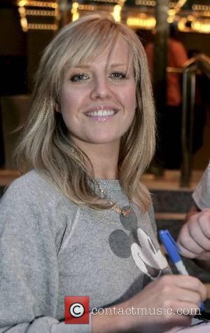Ashley Jensen leaving her hotel in Manhattan New York City, USA - 14.05.07