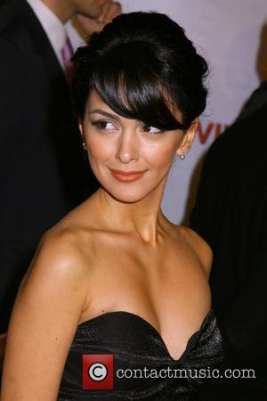 Nazanin Boniadi 'Charlie Wilson's War' Premiere held at Universal Studios - Arrivals Hollywood, California - 10.12.07