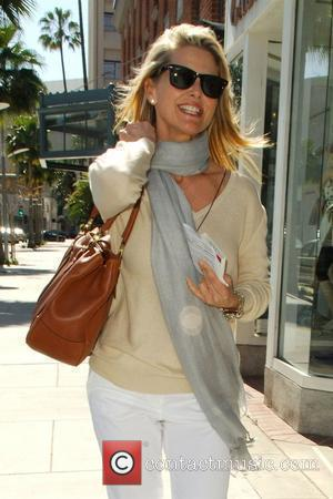 Cover Girl Christie Brinkley leaving a medical building in Beverly Hills in good spirits Los Angeles, California - 24.03.08