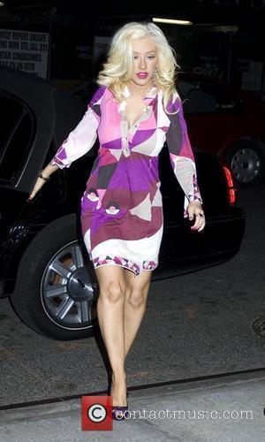 Aguilera Loves The Ladies