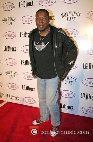 Ernie Hudson Grand opening of Clinique Le Beau - Laser and Med Spa Los Angeles, California - 14.11.07