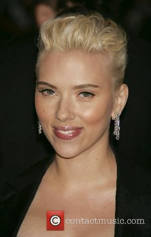 Johansson Eyes L'oreal Deal