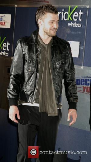 Timberlake Tells Brits: 'Quit Drinking'