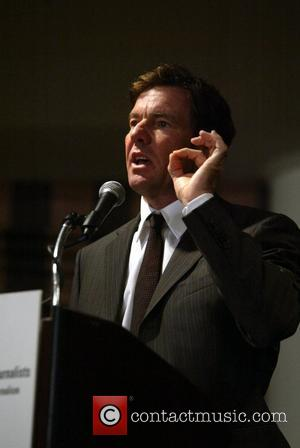 Dennis Quaid thanked medical healthcare journalists for their articles that helped him when his newborn twins almost died from a...