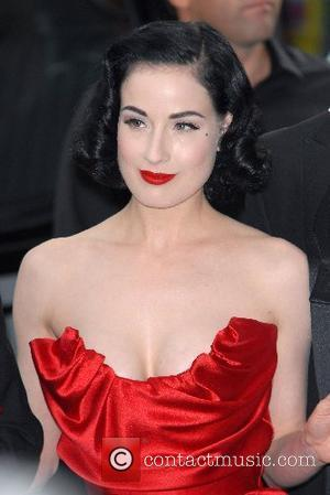 Dita Von Teese Pictures | Photo Gallery Page 13 ...