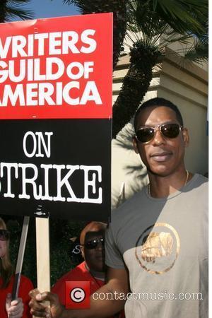 Orlando Jones Writers Guild of America on strike outside Paramount Studios Los Angeles, Calfornia - 12.12.07
