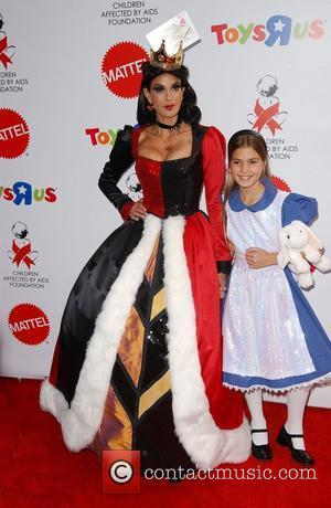 Teri Hatcher and Daughter