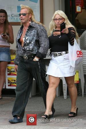 Duane Chapman aka 'Dog' the bounty hunter and his wife La Fonda Sue Honeycutt spend the afternoon together shopping Malibu,...