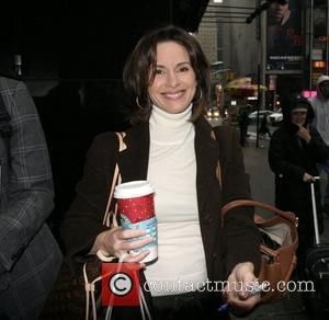 Elizabeth Vargas out and about in Manhattan drinking a cup of coffee and signing autograph for fans  New York...