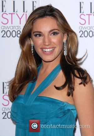 Kelly Brook Suffers Panic Attack During Photo Shoot