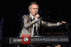 Howard Jones, Elton John and The Music