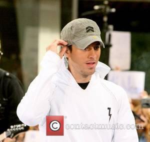 Latin heartthrob Enrique Iglesias  performing live on Good Morning America at ABC Studios New York City, USA - 15.06.07