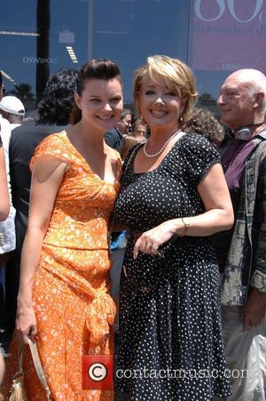 Hiv Positive Designer Creates Emmys Gown For Heather Tom