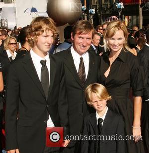 Wayne Gretzky, Janet Jones-Gretzky and children The 2007 ESPY's Awards held at Kodak Theatre - Arrivals Hollywood, California - 11.07.07
