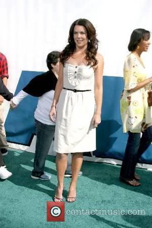 Lauren Graham World Premiere of 'Evan Almighty' at the Gibson Amphitheatre Universal City,California - 10.06.07