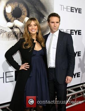 Jessica Alba and Alessandro Nivola