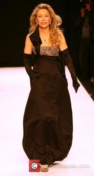 Faye Dunaway Fashion For Relief at the Natural History Museum - Runway London, England - 20.09.07