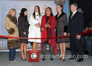 Candace Bushnell, Lindsay Price, Brooke Shields, Fern Mallis, Kim Raver and Stephen Cannon Mercedes-Benz Fashion Week Fall 2008 ribbon cutting...