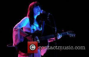 Feist Happy To Lose Grammys To Winehouse